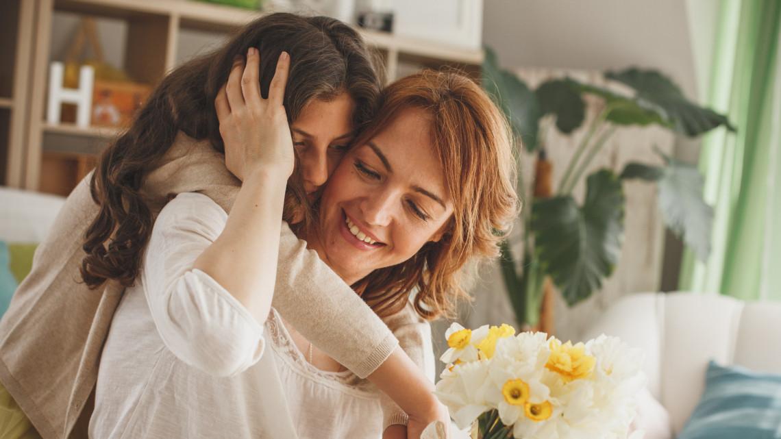 Totálisan más idén a majális és az anyák napja: így ünnepelnek országszerte