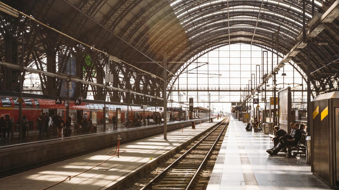 Fontos változások a MÁV járatain: erre kötelezik a vonatok utasait hétfőtől