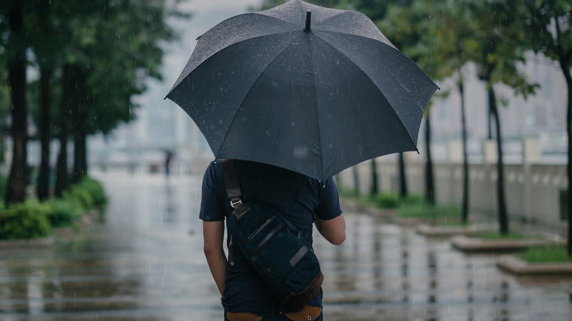 Megdöbbentő jelenség: sáros eső esett Magyarországon, ez az oka