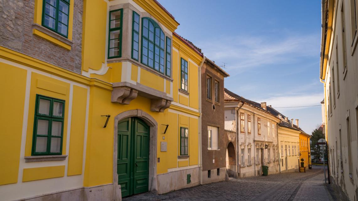 Álomotthon egy garzon árából: ennyiért vehetsz ingatlant a legboldogabb magyar városban