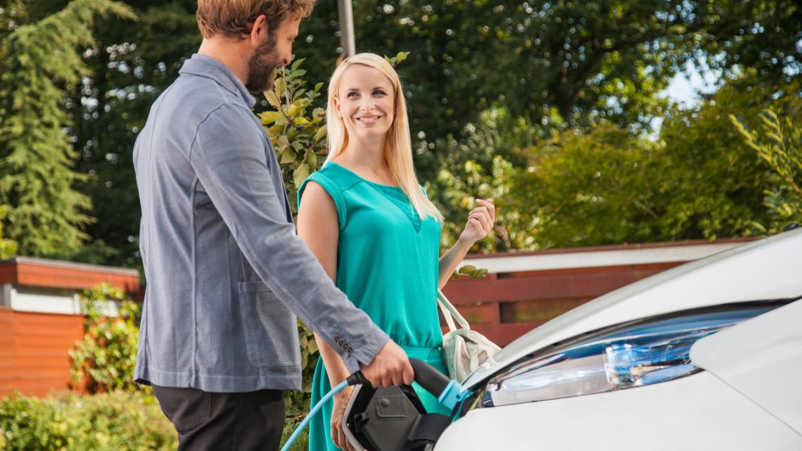 Holnap bejelenti a kormány: új autóvásárlási támogatás érkezik