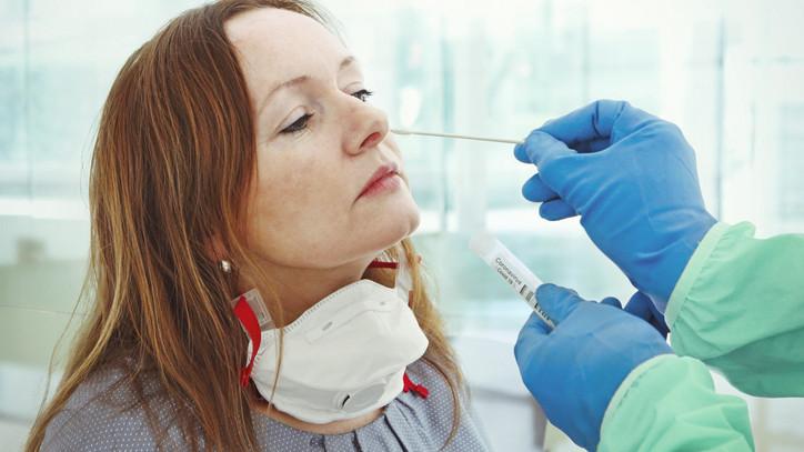 17 ezer magyart tesztelnek koronavírusra: így választják ki őket