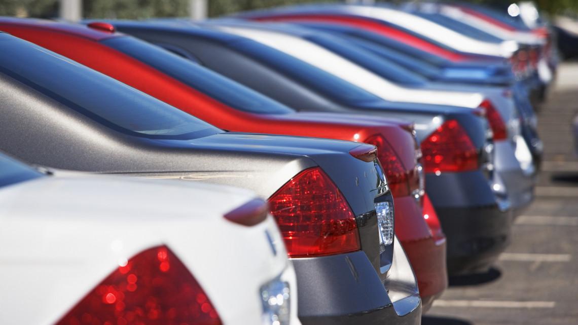 Fontos bevételtől eshetnek el a települések: jövőre is elveszik a gépjárműadót