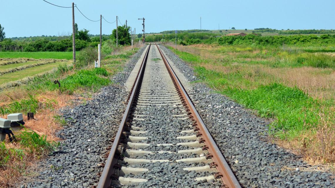 Nagyot lép előre a vasúti közlekedés a Balatonnál: itt járhatnak majd a szuper gyors vonatok