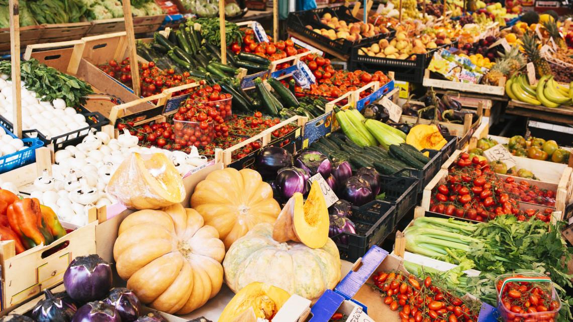 Új vásárcsarnok nyitott a vidéki városban: itt juthatsz hozzá a termelők friss portékáihoz