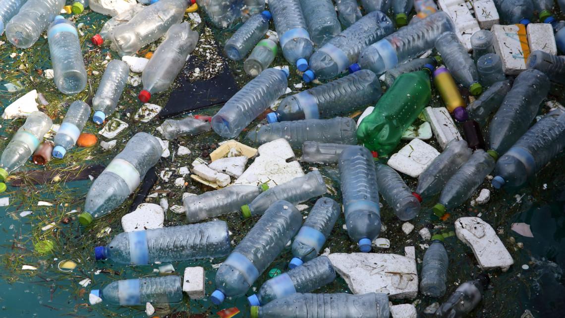Bejelentették: ezeket a műanyagokat tilthatják be Magyarországon
