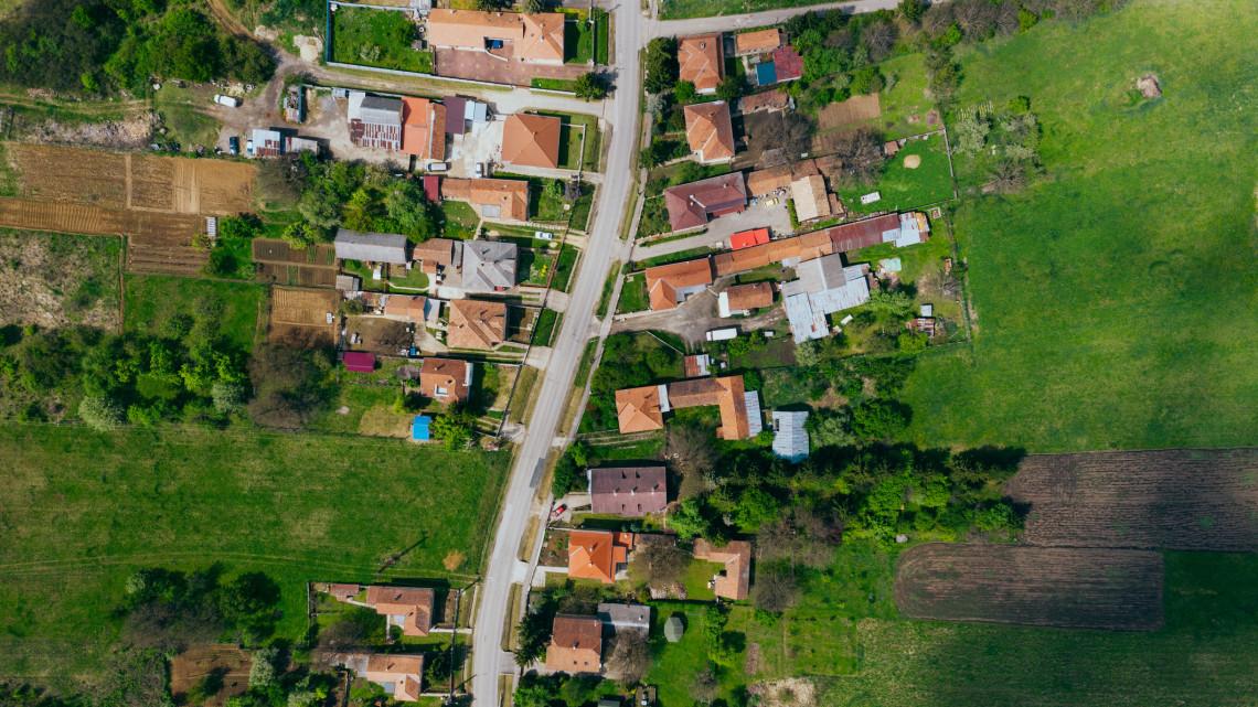 Rendkívüli: közvetlen brüsszeli forrásokat kaphatnak a magyar városok és régiók