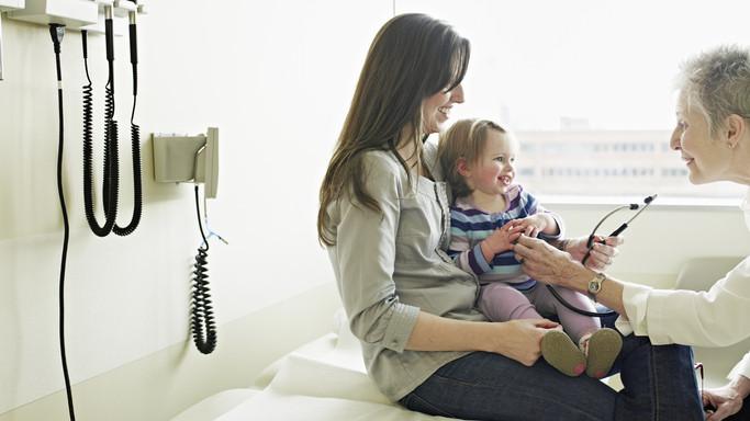 A járvány alatt a gyermekorvosok közel fele nem rendelt: mi lesz, ha jön a második hullám?