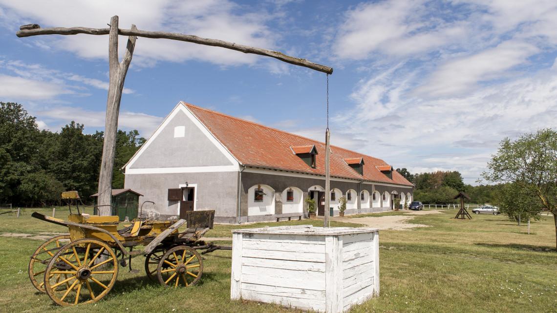 Rá sem lehet ismerni a régi majorra: teljesen felújították, hamarosan ellephetik a turisták