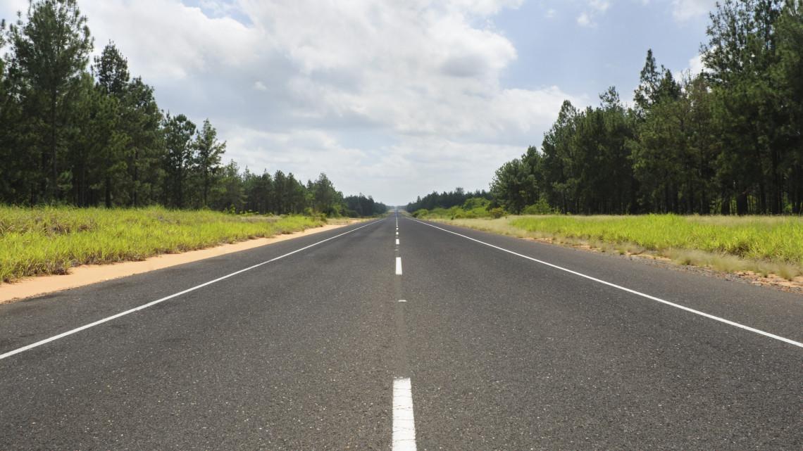 Fontos útszakaszt zárnak le a vidéki városban: augusztusig tarthat a munka