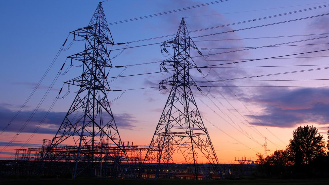 Drámai helyzet Hajdú-Bihar megyében: több mint 60 ezren maradtak áram nélkül