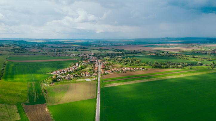 Ezek a falusi csok slágertelepülései 2020-ben: ide költözne a legtöbb magyar
