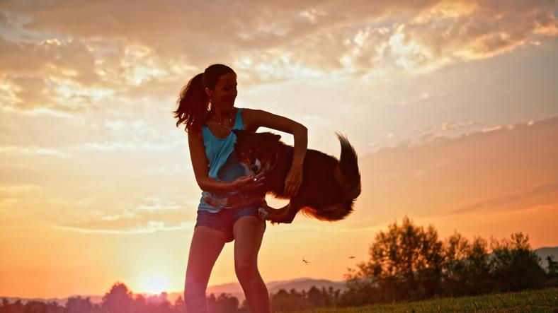 Újabb magyarnak drukkolhatunk: világbajnokságra készül a hollókői kutyatáncoltató