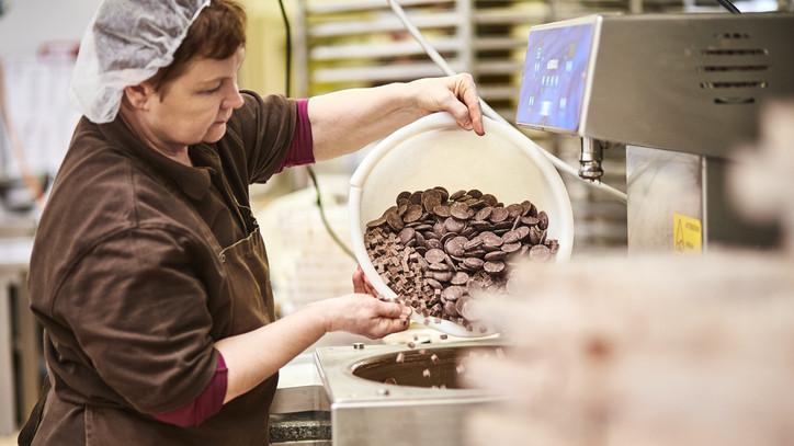 Így készül a magyar prémium csoki: különleges üzem épült Szekszárdon