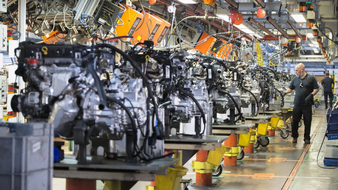 Ismét leáll a kecskeméti Mercedes-gyár: ezért szüneteltetik a termelést