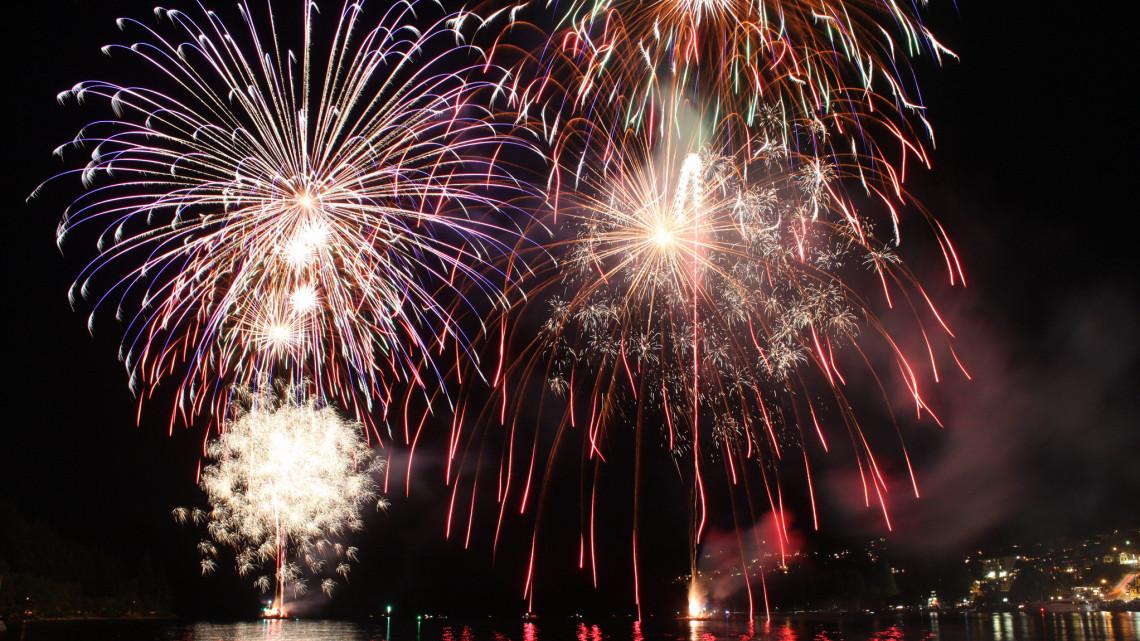 Elmarad az augusztus 20-i tűzijáték: a zenés rendezvényekről később döntenek