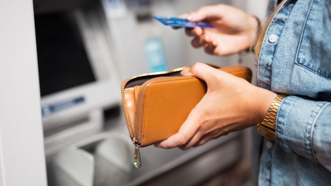 Meglepően alakulhat a készpénzfelvétel: ATM limiteket élesítettek a bankok