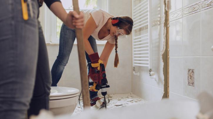 Rengeteg pénzbe kerülhet a fürdőszoba felújítás: egekben a szaniterek ára
