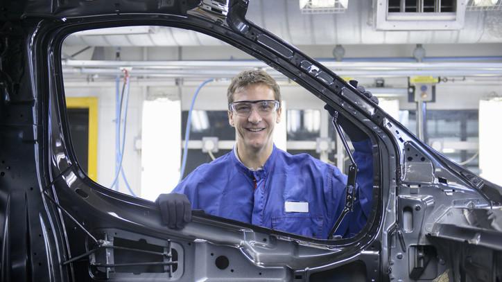 Rekord az esztergomi gyárban: legyártották a 3,5 milliomodik Suzukit