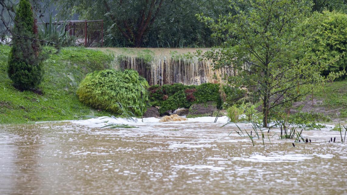 Ezt a települést már megközelíteni sem lehet: őrületes pusztítást okozott a rengeteg eső
