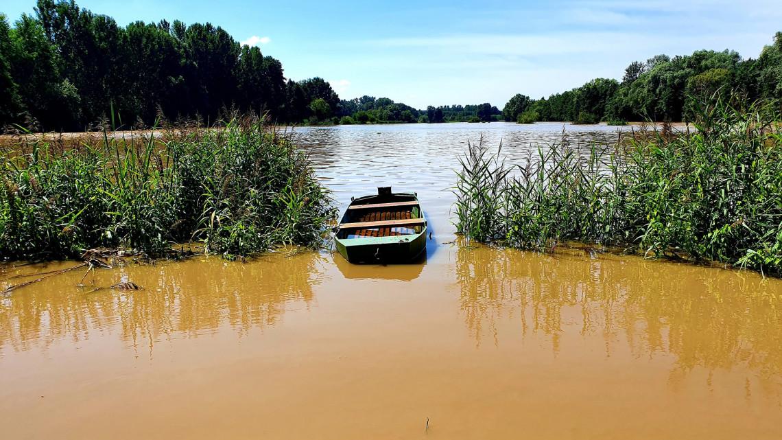 Így pusztított a villámárvíz Délvidéken: vízügyi szakemberek szerint bármikor jöhet hasonló