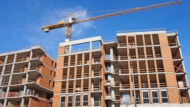 Nagyot ütött az építőiparon a járvány: vajon a CSOK megmentheti az lakásépítéseket?