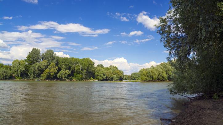 Korlátozásokra is lehet számítani: hétfőn kezdik javítani az algyői Tisza-hidat