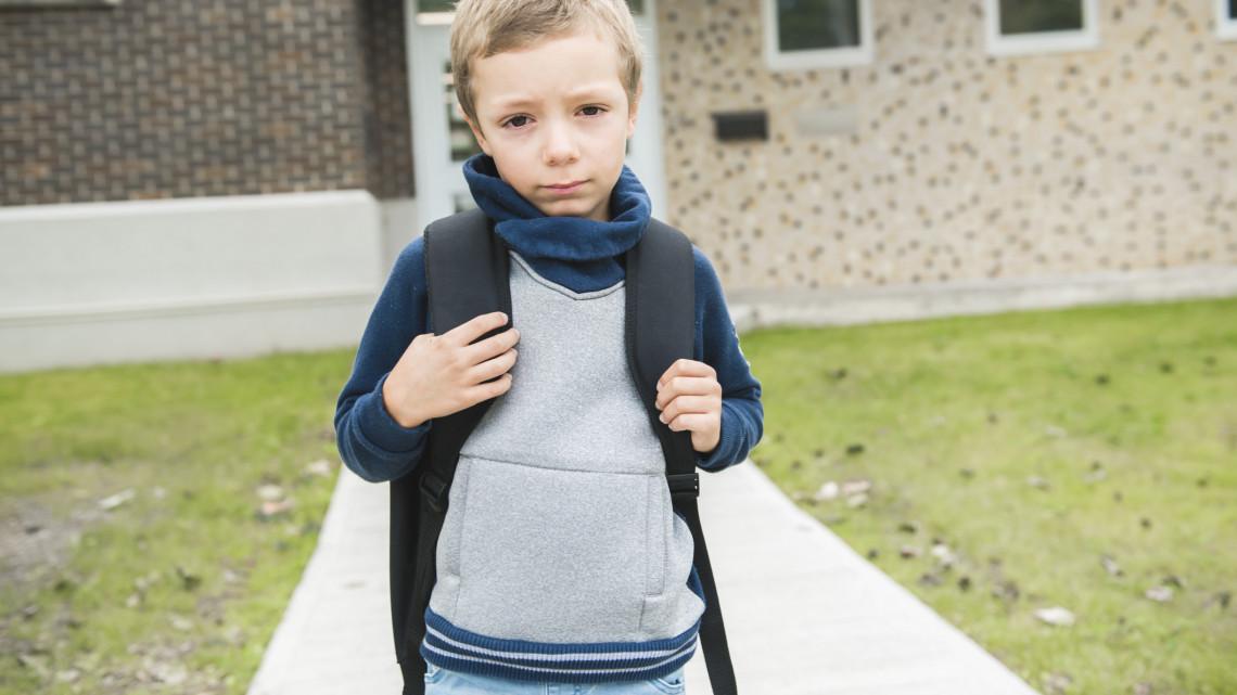 Rengeteg magyar családnak nincs pénze az iskolakezdésre: most több ezer gyereknek segíthetünk így