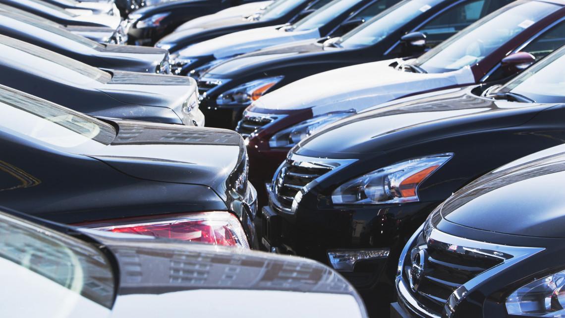 Autósok figyelem: ismét fizetni kell a parkolásért a népszerű üdülővárosban