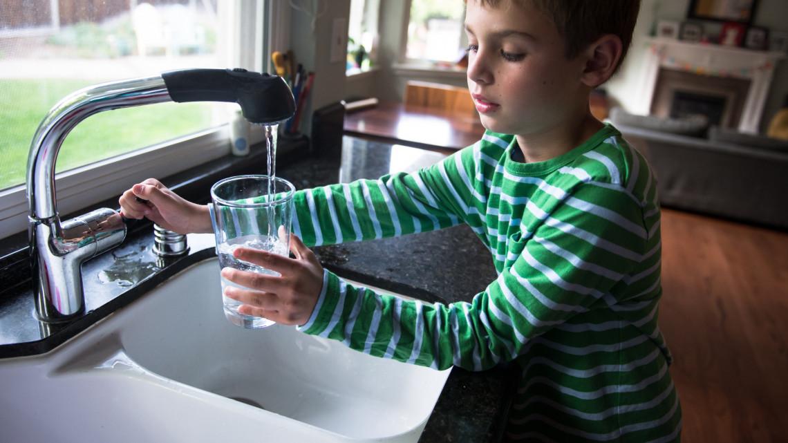 Elhárították a problémát: újra veszélytelenül fogyasztható a vezetékes víz