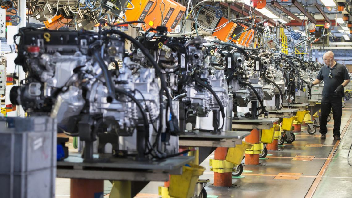Fokozatosan ébredezik a termelés: továbbra is csak óvatosan vásárolunk