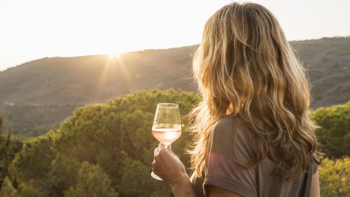 Ne dőlj be a kamunak: 7 dolog, amit eddig te is rosszul tudtál a borivásról