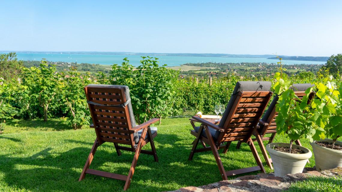 Drága lehet idén a vakáció: durván megugrottak az árak a magyar nyaralóhelyeken