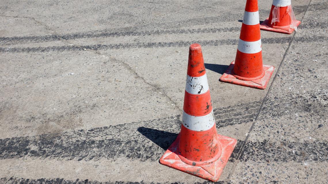 Autósok figyelem: lezárják a forgalmas útszakaszt hétvégére