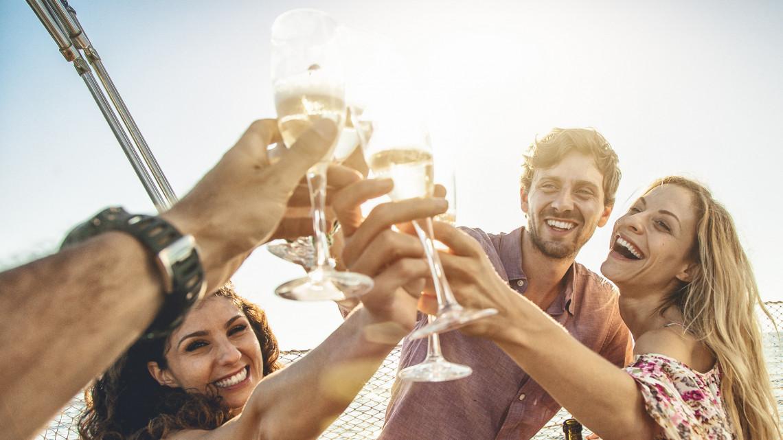 Reménykednek a magyarok: a lakosság harmada bízik abban, hogy idén el tud menni nyaralni