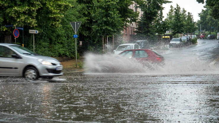 Betelt a pohár: fotókon mutatta meg a viharkárokat a győri polgármester
