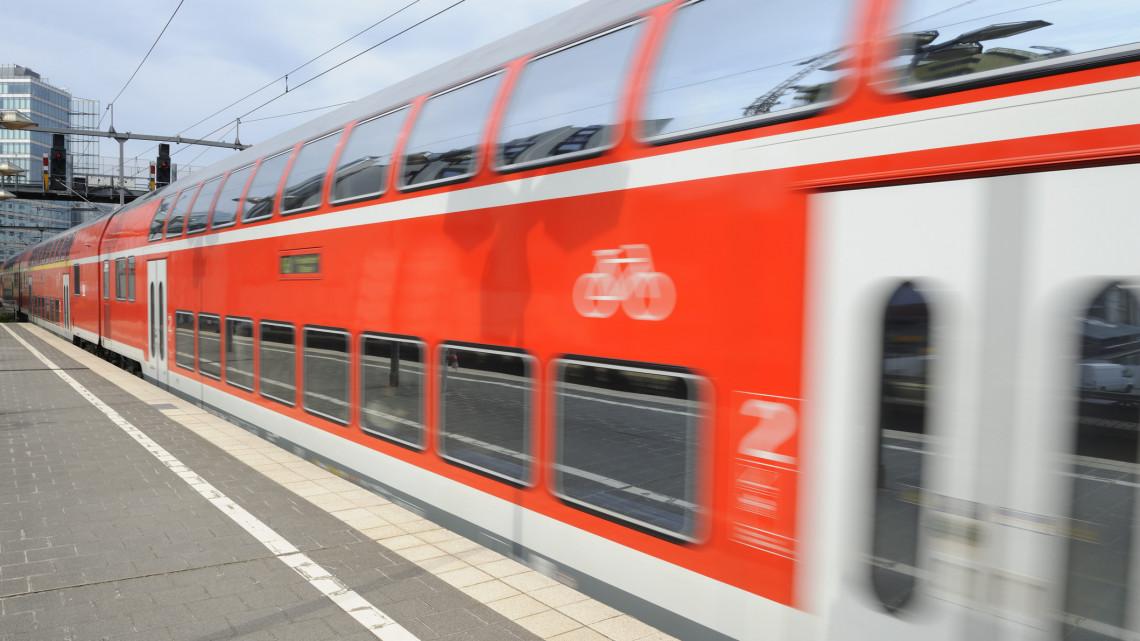 Hoppá, hamarosan ez szeli át Magyarországot: nagysebességű vasúti pálya épül + VIDEO