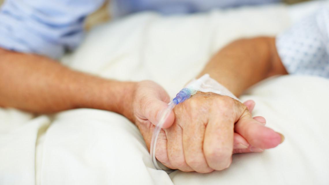 Koronavírus: 105 gondozott lett koronavírusos a soproni idősotthonban