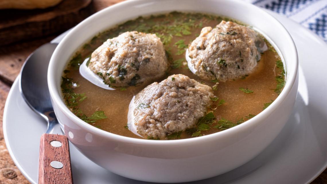 Májgombóc leves recept: így készül a legfinomabb májgaluska leves
