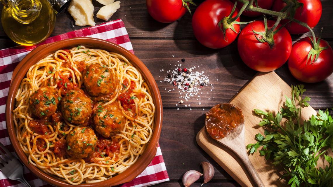 Paradicsomos húsgombóc recept: hogyan készül a paradicsomos húsgombóc spagettivel?