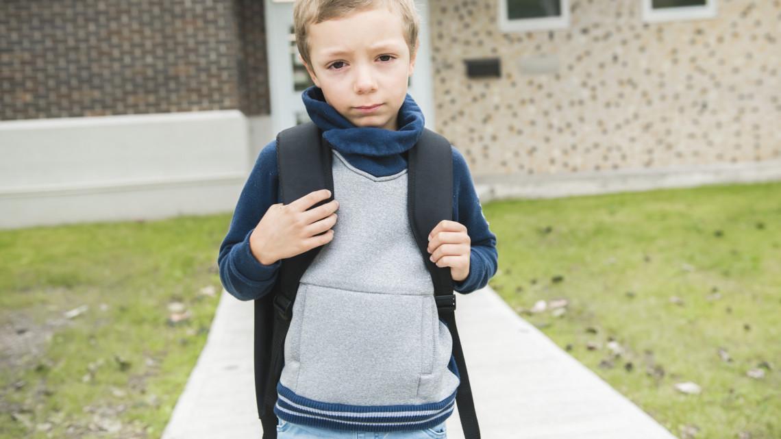 Pozitív lett az egyik tanító koronavírus tesztje: nem nyit ki a vidéki iskola