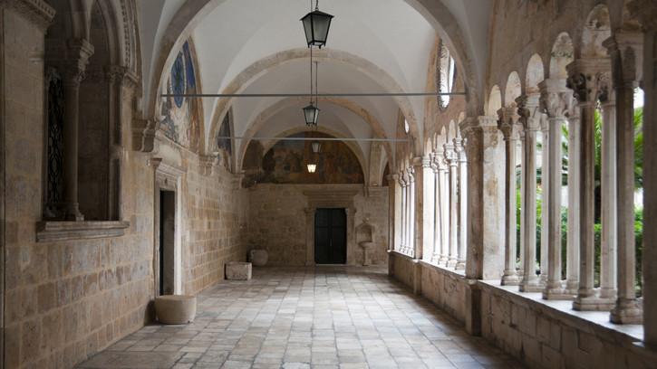 Milliárdos összeg jutott felújításra: így néz ki most Kőszeg történelmi rendháza