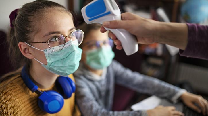 Koronavírus: száz fölött a halálozás, ezekben a megyékben terjed leginkább a járvány