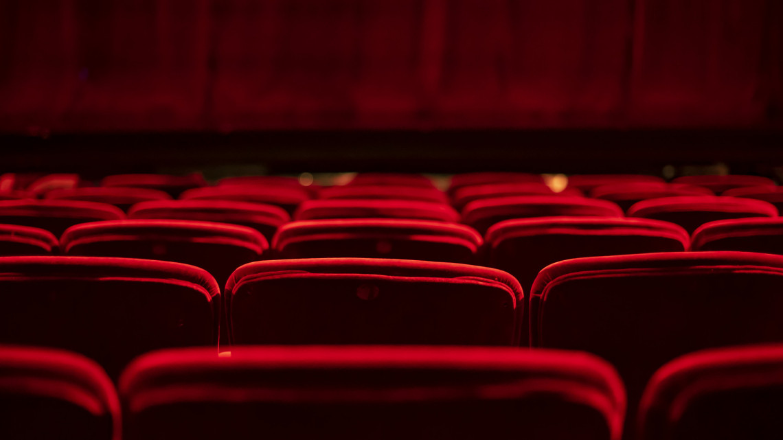 Koronavírus: fertőzöttet találtak a vidéki színházban, drasztikus döntést hoztak