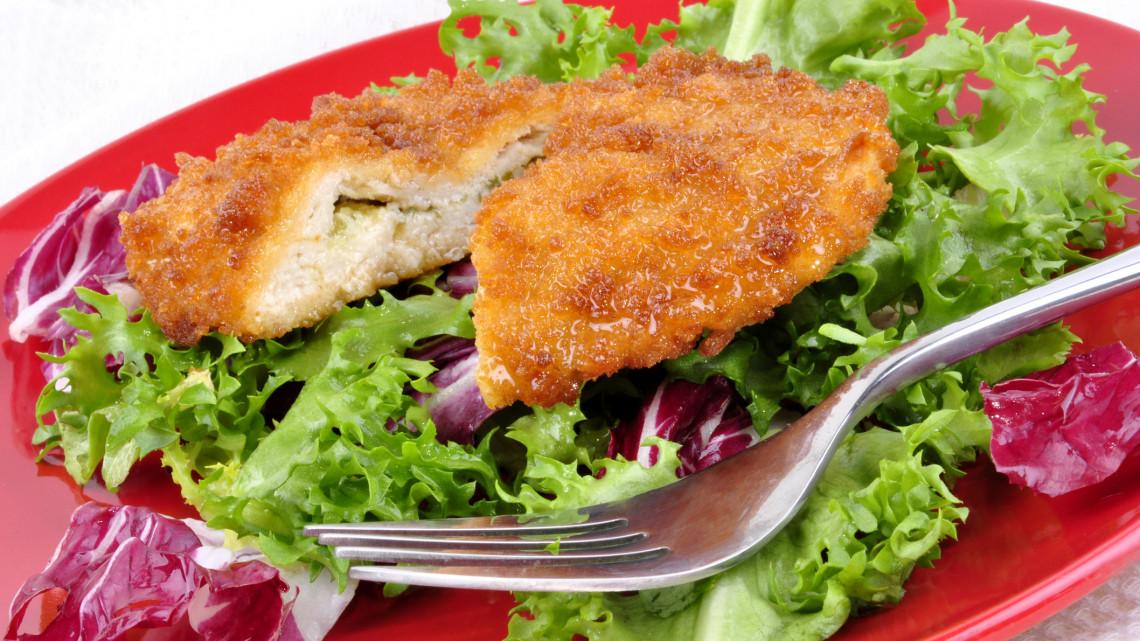 Veszélyes élelmiszert hív vissza az Auchan: szalmonellával fertőzött