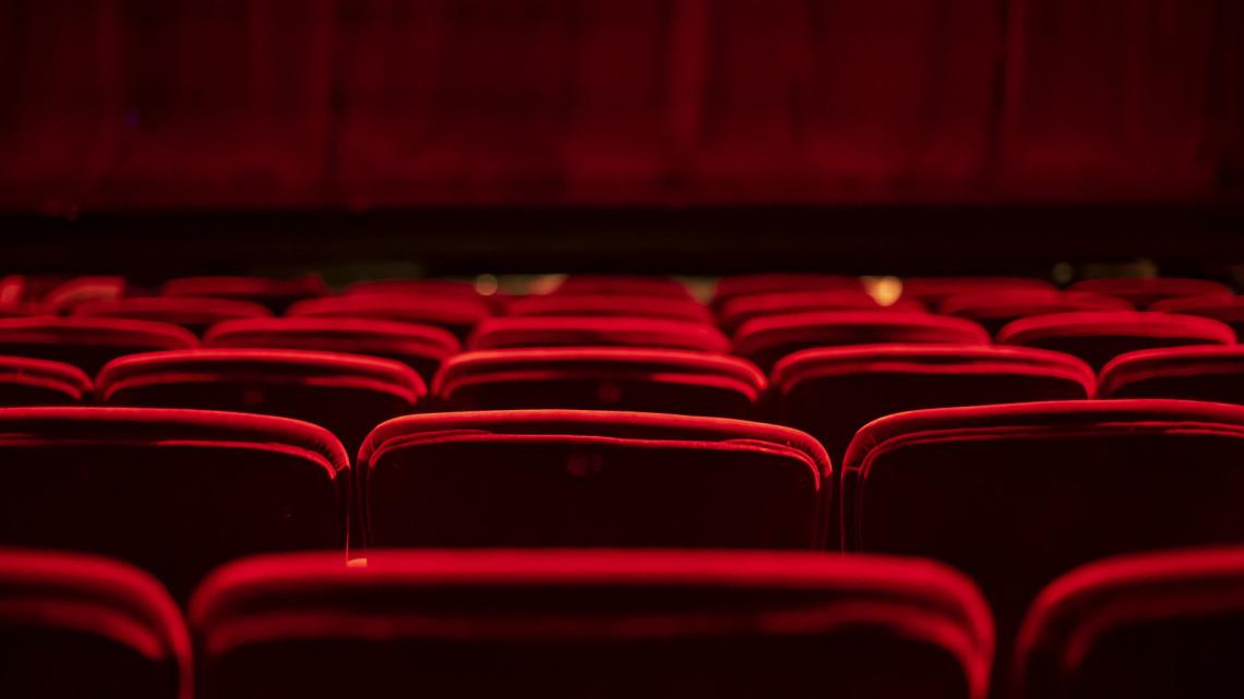 Koronavírus: fertőzöttet találtak a vidéki színházban, elmaradnak az előadások