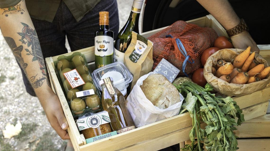 Egyre több vidéki vásárol ilyen piacon: helyi termékek, fillérekért, házhoz szállítva