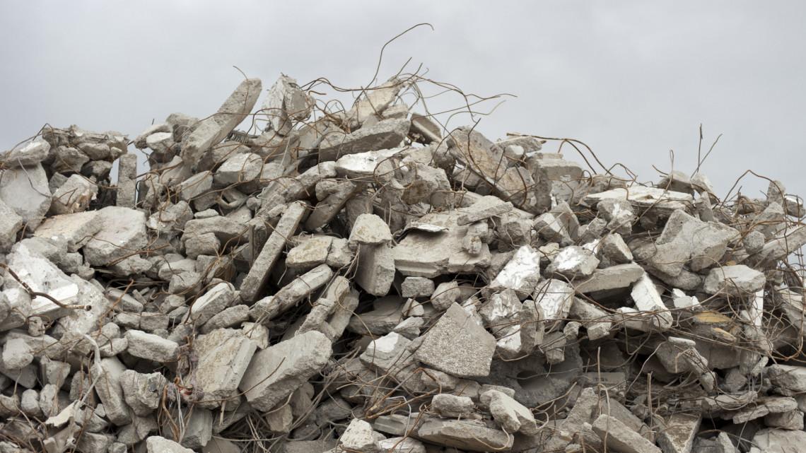 Ez durva: száz köbméter hulladékot pakoltak le a természetvédelmi területen