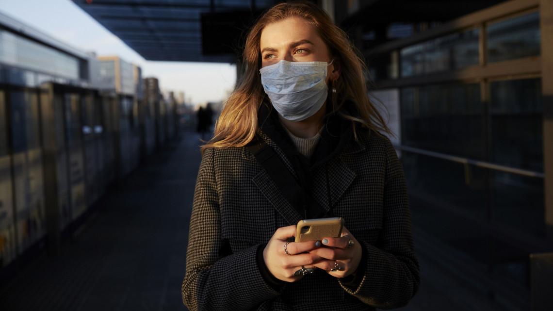 Ezzel a telefonos alkalmazással követik a koronavírust: már 75 ezren használják