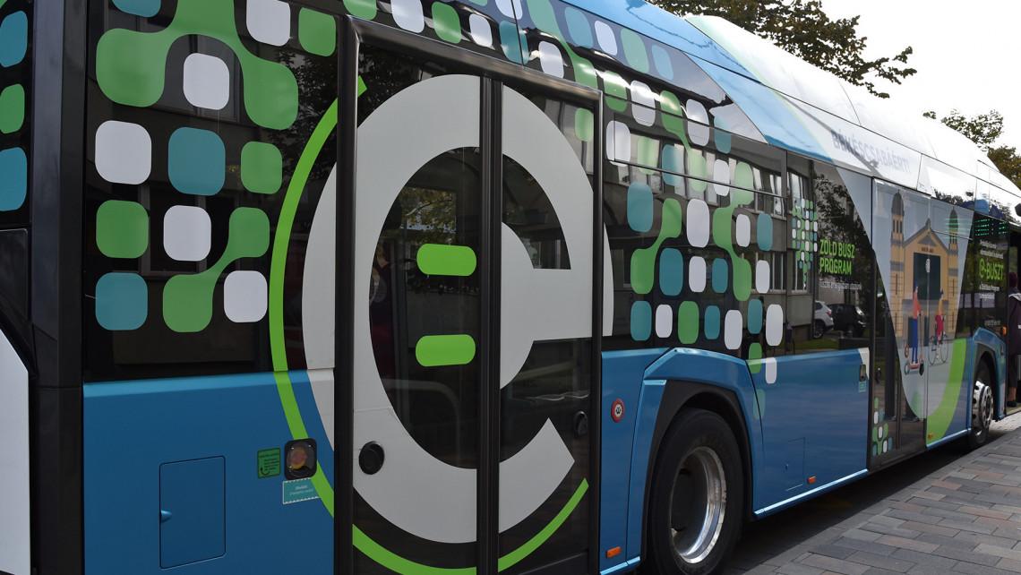Elektromos buszokat tesztelnek ebben a városban: ingyen lehet utazni ezeken az útvonalakon
